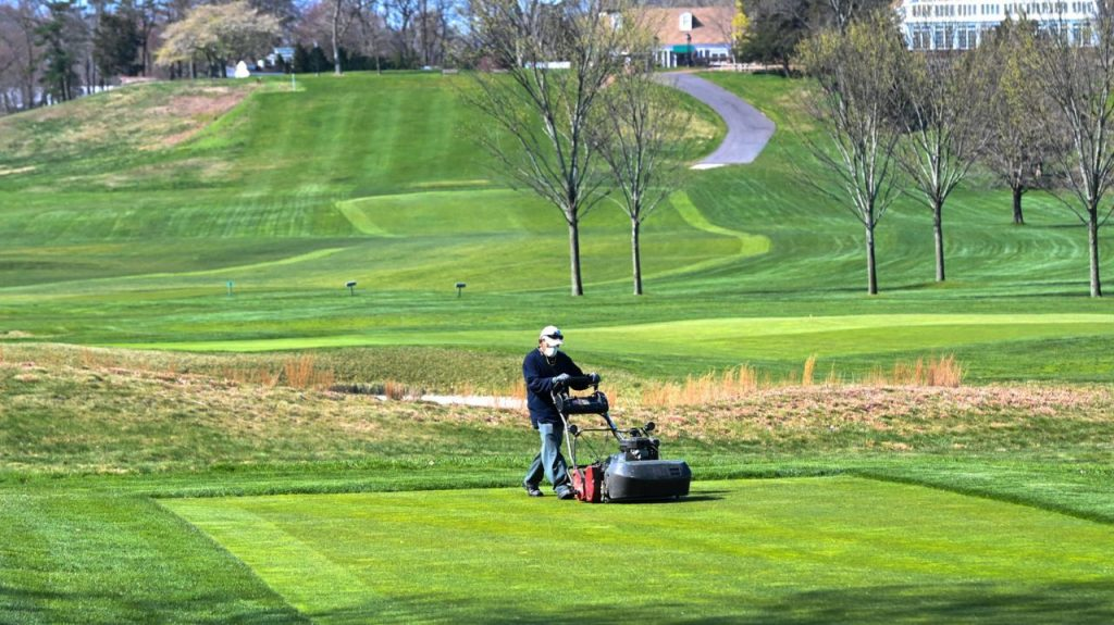 Golf Courses Set to Open in Mid-May